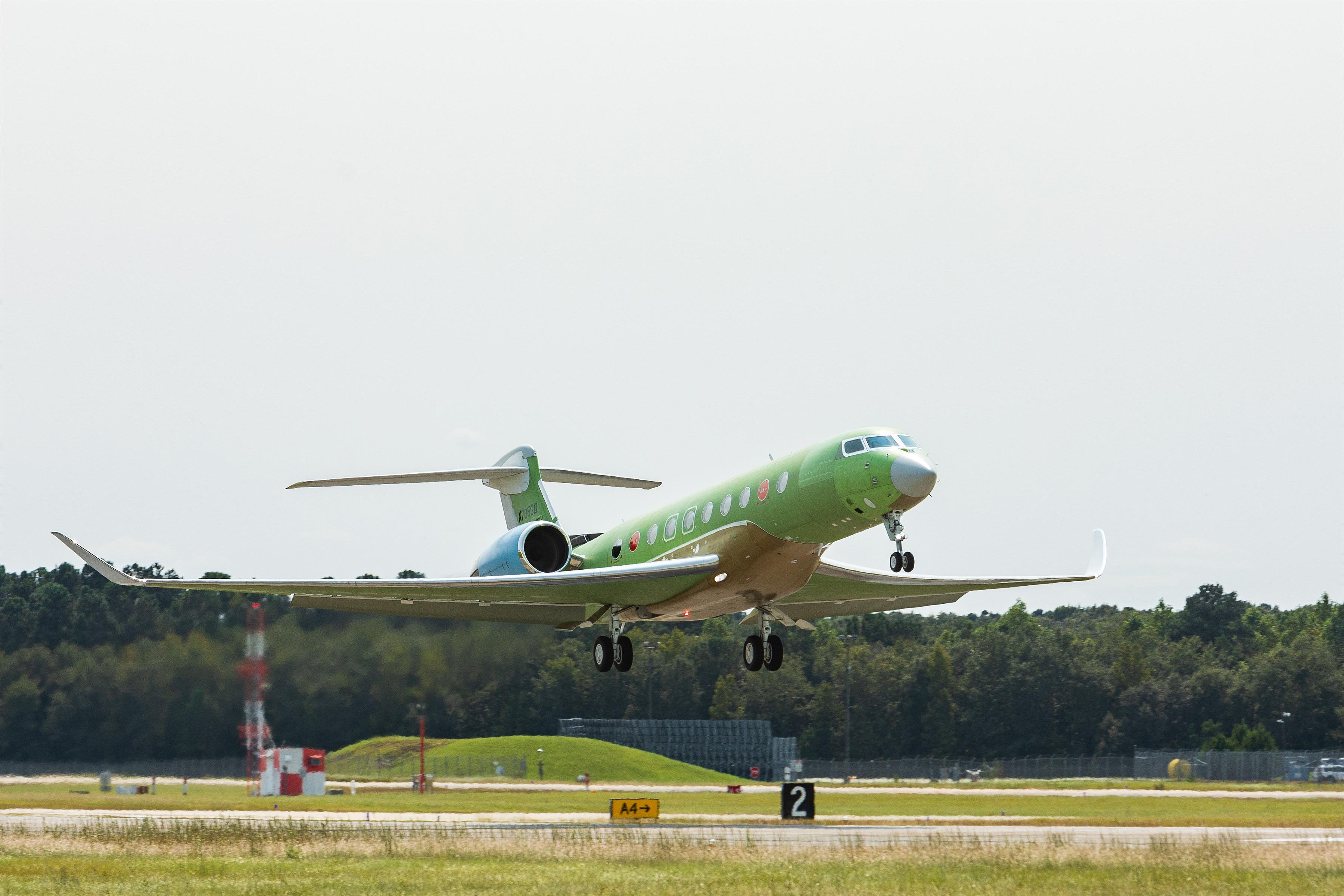 Gulfstream-Launches-Fourth-G700-Test-Aircraft.202001002.jpg